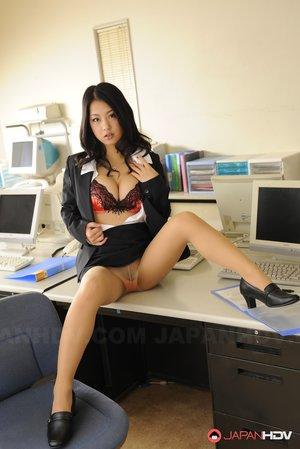 Japanese Mature Tits Pics