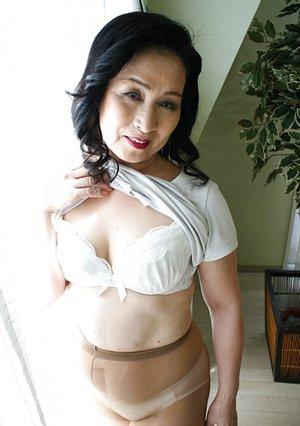 Japanese Older Women Porn Pics