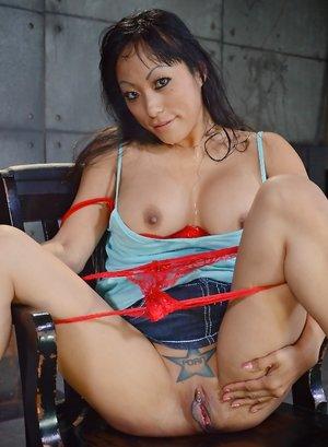 Japanese Mature Pussy Pics